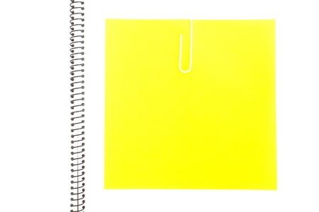 grapa: Papeles de colores con grapas Foto de archivo