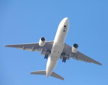 이륙하는 비행기 스톡 콘텐츠
