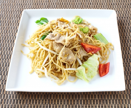 lo mein: chinese stir-fried noodles  Stock Photo