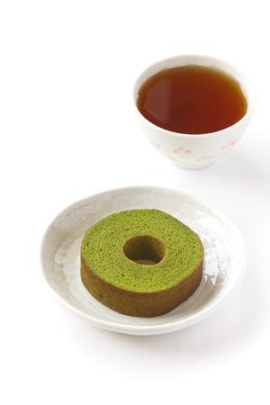 maccha: Maccha green tea baum cake and cup of tea