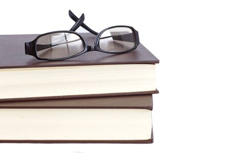 白い背景の上の眼鏡と読書の本 写真素材 - 30136910
