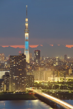 Tokyo sky tree and Sumida river Stock Photo - 32830870