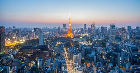 Tokyo Tower en de stad Tokio mooi uitzicht bij zonsondergang tijd