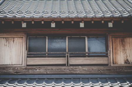 casa vecchia: Close - up giapponese vecchia casa esterno