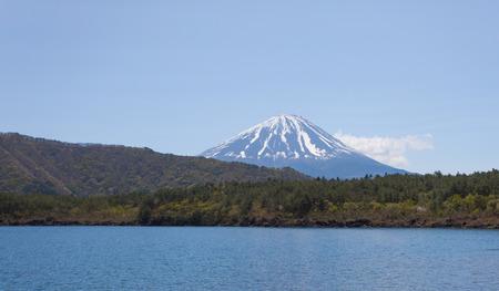 saiko: Mountain Fuji and Lake Saiko in spring season