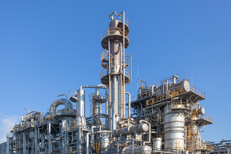 Industriële mening bij olieraffinaderij vorm industrie zone