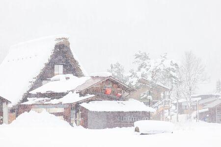 冬には雪で白川郷村