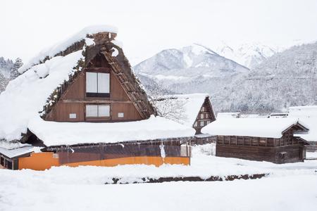 冬には雪でサイト白川郷村