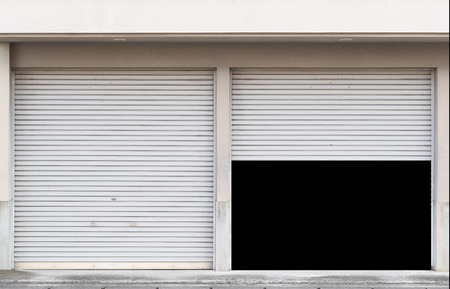 Garage with two entrances and open shutter Banque d'images - 101358117