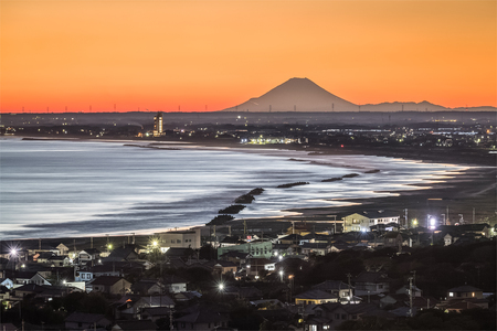 Mt. Fuji and the beach at Iioka town , Chiba prefecture. Mt.Fuji is 185km. away but can be seen on clear days. Editorial