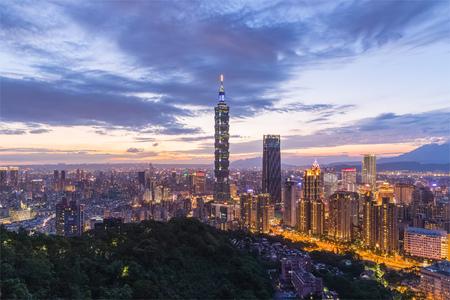 山から見た台湾台北市の夜景。象。