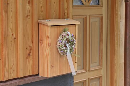 decorate: decorate flower
