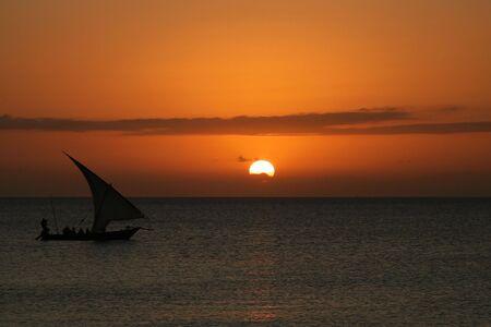 zanzibar: foto van een zons ondergang in Zanzibar, Tanzania