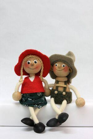 amabilidad: fotografía de muñecos de madera Foto de archivo
