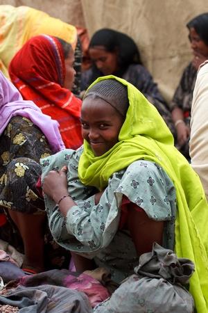 bati, Etiopía, 01 de agosto 2011 - el mercado bati es uno de los más importantes de Etiopía, reúne a una multitud de grupos étnicos, en casa Oromo y lejos.