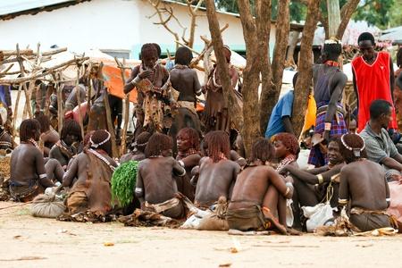 turmi, ethiopia, august 15, 2011 - at the weekly market turmi ethnic groups come omo valley, main hammer, karo and dassanech. Stock Photo - 10434168