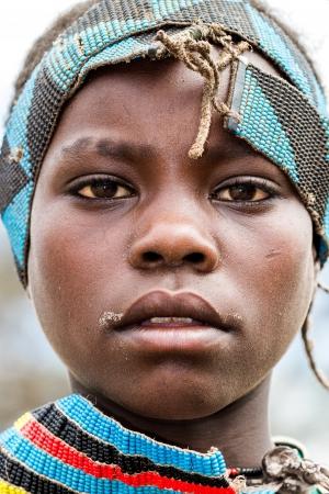 valle del Omo, Etiop?a, 10 de agosto de 2011 - mujer de la etnia tsemay, tsemay son los pastores que habitan la omo inferior.