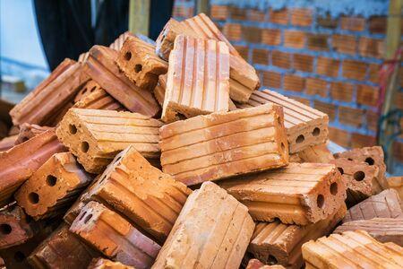 scrap: Briques de ferraille et brickbat
