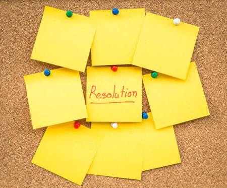 january: resoluciones pegajosas de nota en blanco para el nuevo a�o con el espacio para el texto. Foto de archivo