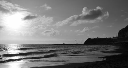 Sunrise from the beach, La Laja, coast of Las Palmas, Gran Canaria, black and white mode Banque d'images