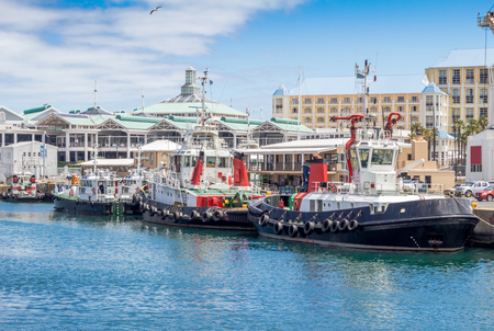 Victoria and Alfred Waterfront and harbour in Cape Town Stock Photo
