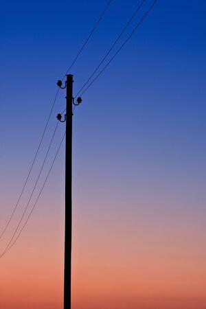 telegraaf: een telegraaf in de avond Stockfoto