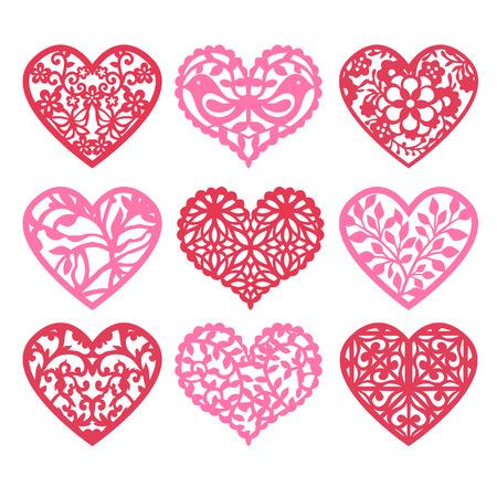 cuore: Una illustrazione di nove diversi cuori pizzo traforati fissati pizzi geometrici alla natura ispirato a forma di cuore grata.
