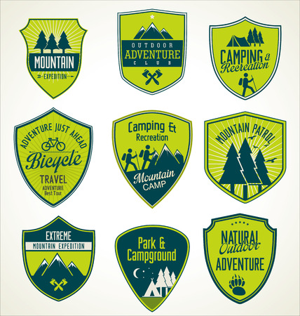 Set of outdoor adventure blue and green retro labels Ilustração