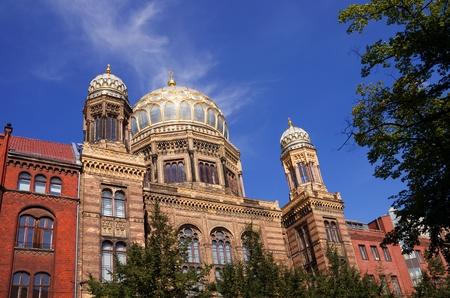 eduard: jewish synagoge in berlin mitte in germany