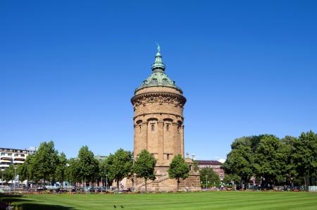 """wody wieży: Punkt orientacyjny """"Wasserturm"""", wieża ciśnień w Mannheim, Niemcy Zdjęcie Seryjne"""