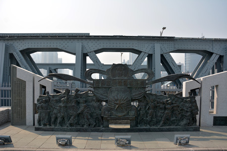rebuilt: Guangzhou haizhu bridge opening of the rebuilt sculpture