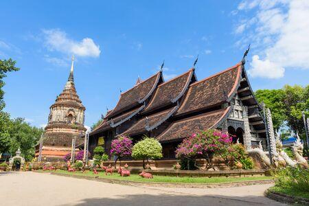molee: Viharn (Main building) and Pagoda of Wat Lok Moli,Wat Lok Moli is a Buddhist temple in Chiang Mai, Thailand