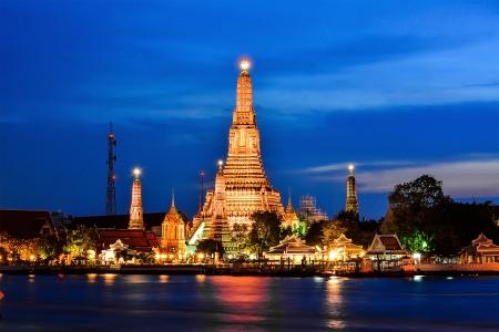 와트 아룬, 방콕, 태국의 황혼의 시간 스톡 콘텐츠