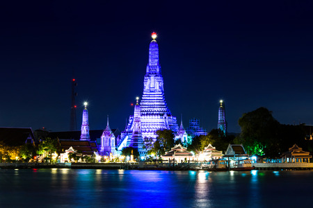 Twilight time of Wat Arun, Bangkok, Thailand photo