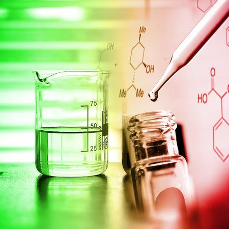 실험실 연구는 액체 삭제하는 튜브를 테스트