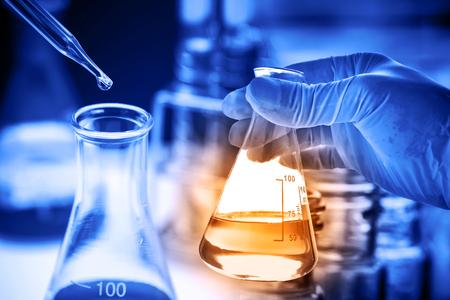 実験用ガラス器具、科学研究と開発コンセプト 写真素材