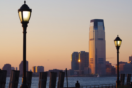 South of Manhattan at sunset, river and street lights Zdjęcie Seryjne