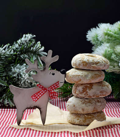 Homemade cookies with spices in sugar icing and deer. cooking at the holiday. Christmas atmosphere. A new year. Homemade pastries. Humor Zdjęcie Seryjne