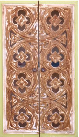 talla en madera: talla de madera puerta de la iglesia de estilo tailandés