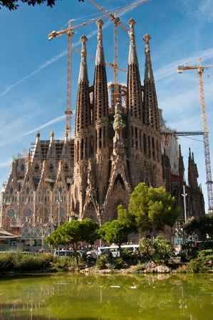 barcelona cathedral: The Sagrada Familia in Barcelona, Spain. designed by Catalan architect Antoni Gaud� and now a World Heritage Site. Editorial