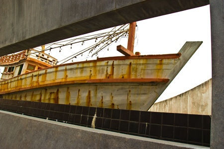 The fishing boat making for tsunami memorial