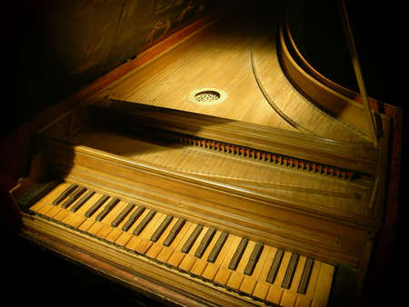 old piano:  Musical instrument played by means of a keyboard
