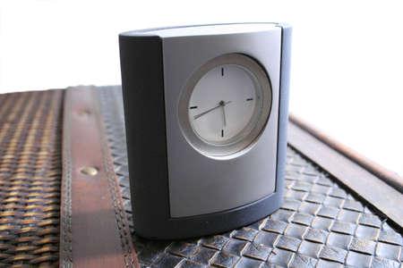 horloge de table en cuir Banque d'images