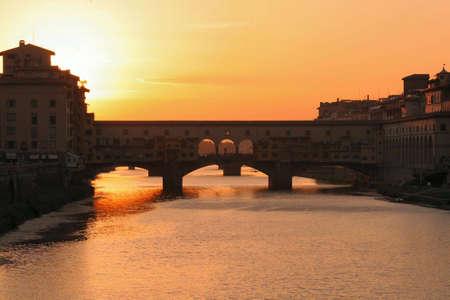 coucher de soleil sur le Ponte Vecchio