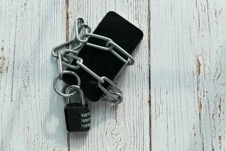 mobile smart phone unlock lock, top view 版權商用圖片