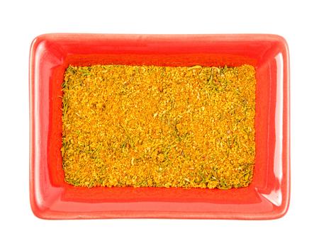 legumbres secas: hortalizas secas en un cuenco. fondo blanco aislado