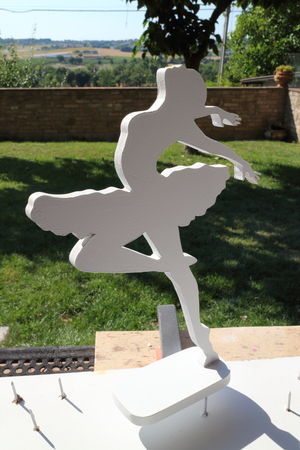 forniture: Dancer made with passion for wood