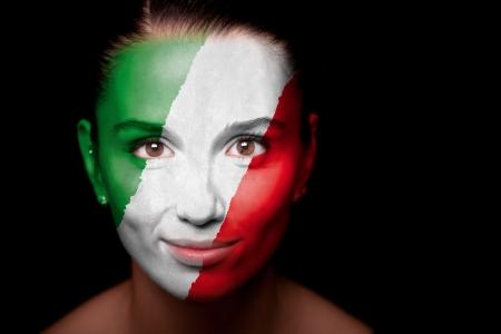bandiera italiana: Ritratto di una donna con la bandiera Italia Archivio Fotografico