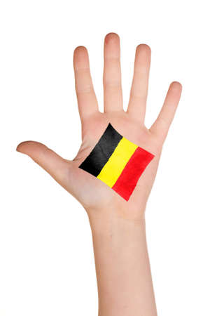 comp: The Belgian flag painted on the palm.