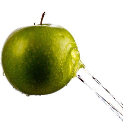 manzana agua: Manzana verde salpicaduras de agua